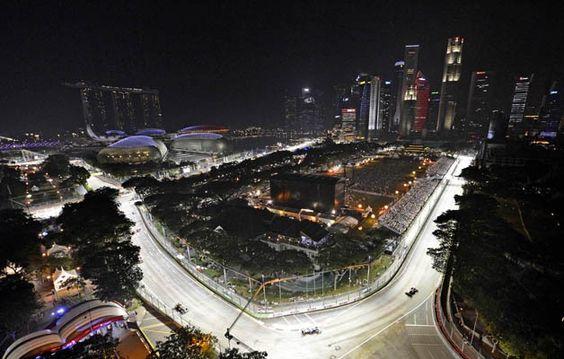2012 Singapore Grand Prix lights up the night