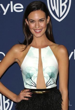 Odette Annable Strikes a Pose in an Intricate Peggy Hartanto Spring 2013 Dress - theFashionSpot