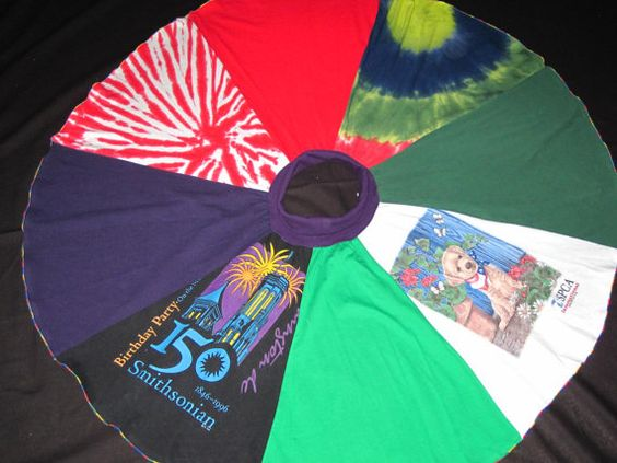 Looking at how its made.  Upcycled T Shirt  Circle Skirt for size 10, 12, 14,16  Girls and size Small Women