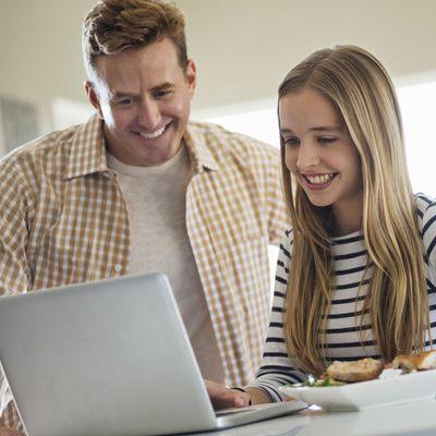 Monitor Teens Internet A 116