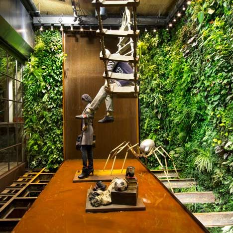 Replay jeans shop by Vertical Garden Design: