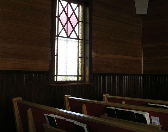 ¿Deben los niños permanecer en el culto con los adultos?