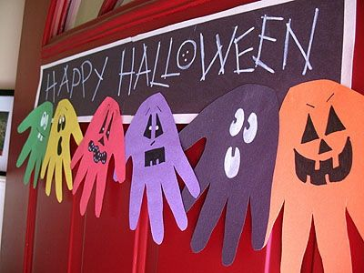 Halloween hand print ghoul banner.: Easy Halloween Crafts Kids, Easy Halloween Kids Crafts, Halloween Banner, Halloween Sign, Easy Halloween Crafts For Kids, Easy Kids Halloween Crafts