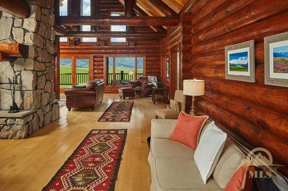 Cozy Cabin Livingroom