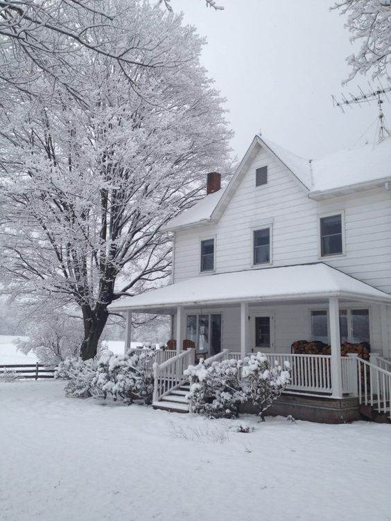 farmhouse snow | Our farm house in the snow … in the south central Pennyslvania area.: