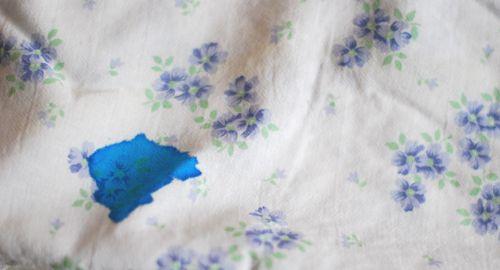 Tinte - in Milch einweichen und auswaschen - fertig  ( Ink - soak in milk and wash - done )  :-)