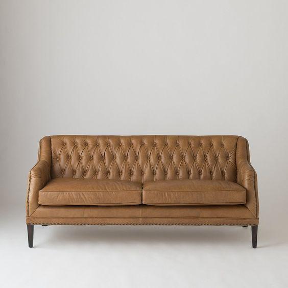 Chọn màu ghế sofa da tphcm theo tính cách cho gia chủ