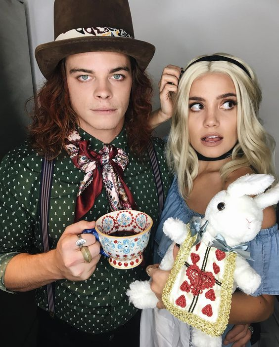 Alice from the wonderland - 24 Best EVER Halloween costumes for couples homemade halloween costume/  sc 1 st  Today We Date & 24 Best Halloween Couple Costume Ideas - Today We Date