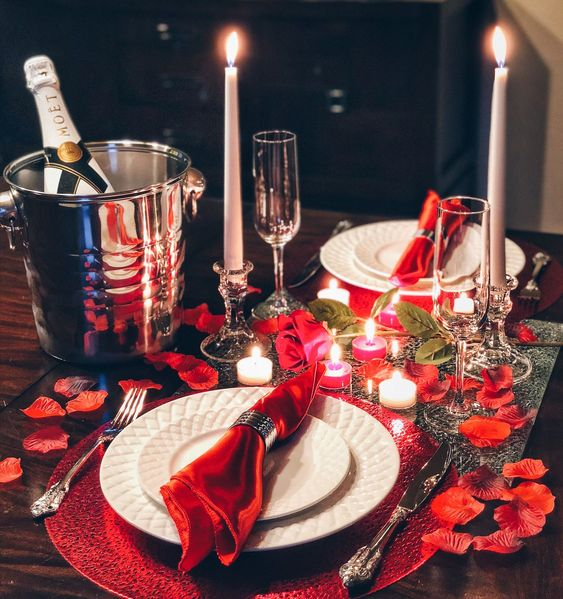 Setting up a romantic dinner has never been easier! Our Dinner Box includes everything you need to set up a beautiful romantic dinner for any celebration, including romantic candles and rose petals. The Dinner Romance-in-a-Box makes a unique Valentine's gift or romantic anniversary or wedding gift for any couple.