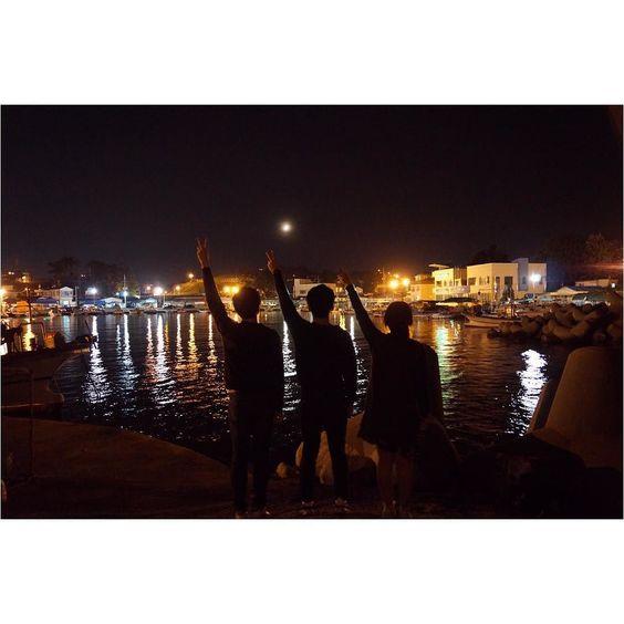 ウルさんに来た天気もいいし景色もすばらしいしとても楽しいーー 너무이쁘다!!! . . #週末 #日常 #友達 #夜景 #景色 #ウルサン #海 #일상 #주말 #일상스타그램 #풍경 #친구 #울산 #데일리 #바다 #간절곶 #landscape #daily #weekend #sea by byunggunk