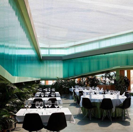 Equipamiento carretero de diseño sencillo y elegante: Restaurante Lolita. Langarita-Navarro Arquitectos - Noticias de Arquitectura - Buscador de Arquitectura