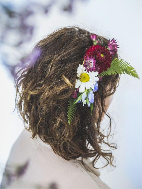 DIY: Romantische Kämme aus Blüten  #DIY #Kämme #Blüten #Kreativ