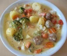 Rezept All-in-one Gemüsemix mit Hackbällchen/Köttbullar und Kartoffeln von sesamstrasse 70 - Rezept der Kategorie Hauptgerichte mit Gemüse