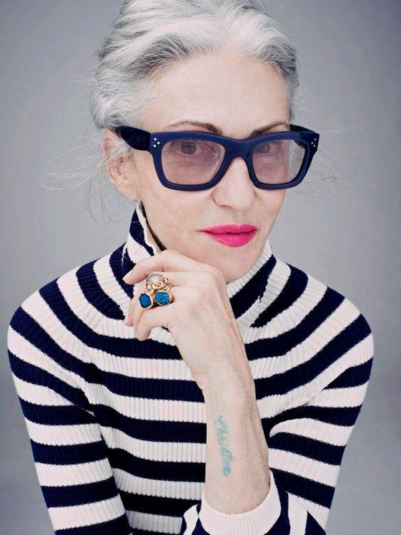 Ela é criadora de um dos produtos de beleza mais cobiçados, o Olio Lusso, e conta como inventou o produto, fala sobre beleza madura e dispara: não há nada gracioso em envelhecer....
