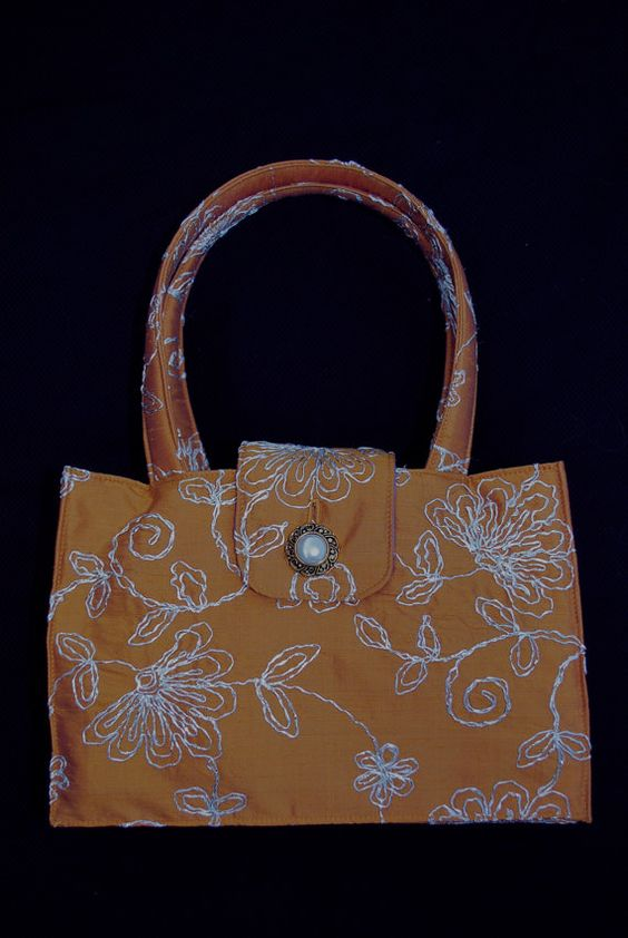 Cute silk purse!  Great for the holidays.