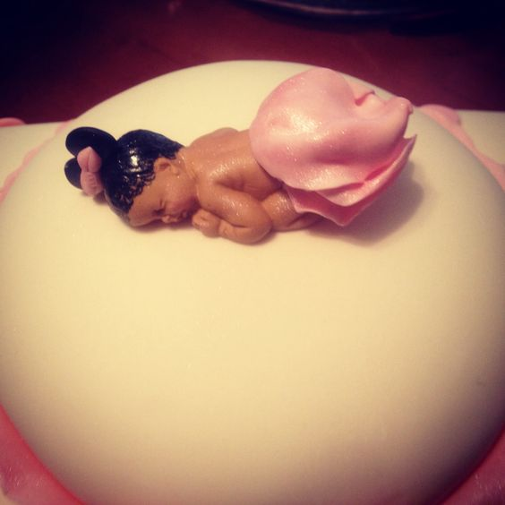 Minnie Mouse baby girl shower cake made by Judy Walker