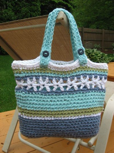 Crochet Bag With Pockets Pattern : cute crochet beach bag from nutsaboutknitting. Etsy ...