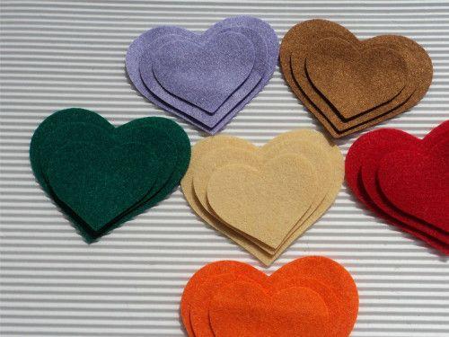 Corações - Na totalidade são 18 corações com três tamanhos diferentes.