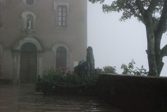 Grotte der heiligen Magdalena in St.Baume und Jakobuskirche Plan d'Aups