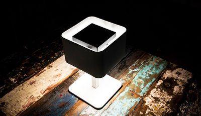 Lampe solaire La Lampe Pose 02 / LED - Sans fil Charbon - Maiori