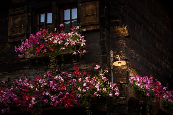 Zermatt | old house under the matterhorn - http://www.digitale-fotografie.ch http://www.thomas-ruf.ch