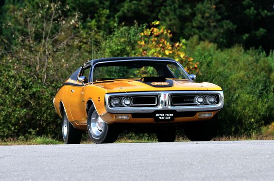 http://i.wheelsage.org/pictures/d/dodge/charger_super_bee_hemi/dodge_charger_super_bee_hemi_13.jpeg