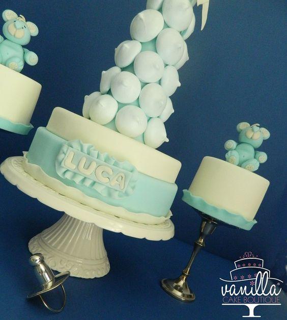 meringue cake and teddy bears minicakes