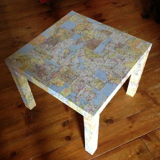 Decoupage map table for the kids to use when pop up camping camping 101 pinterest - Decoratie opgeschort wc ...
