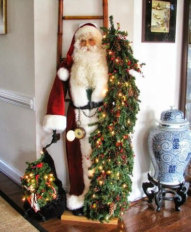 This is absolutely the most beautiful Santa....would love to have him!  (A Stroll Thru Life: 194th Inspire Me Tuesday#more)