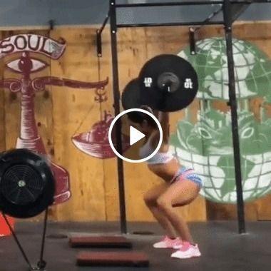 Garota não suportou levantar o Peso grande