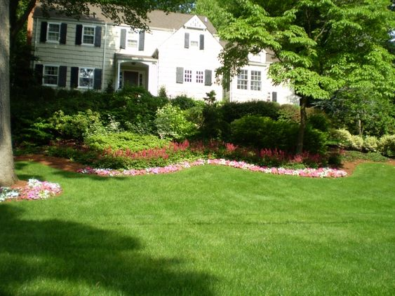 Image Detail For  Front Yard Colonial Style House And Landscape | Re  Downloads.