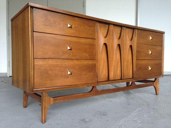Broyhill Brasilia Mid Century Modern Triple Dresser/Credenza