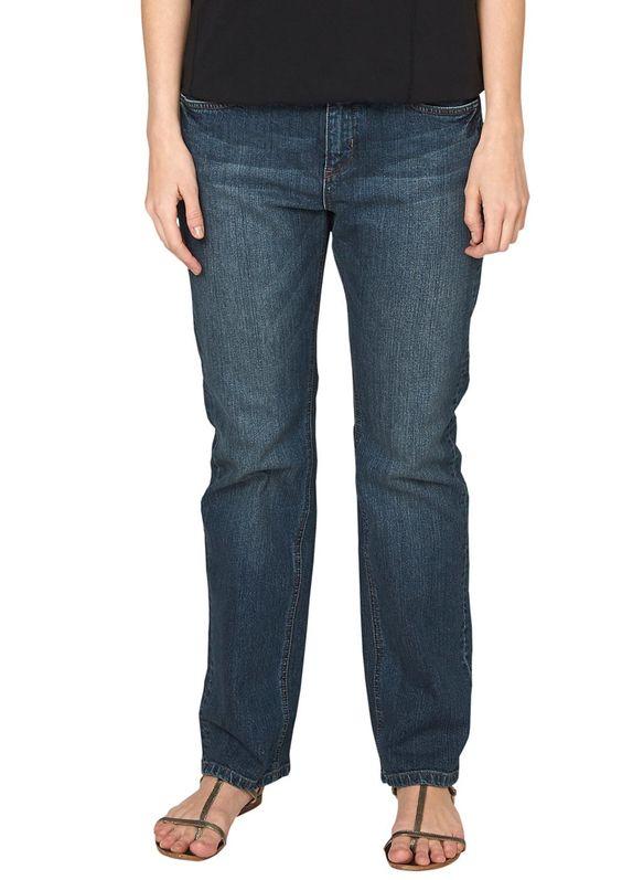 """Stretch-Jeans Stretch-Jeans mit authentischer Waschung und Sitzfalten-Effekten in der Waschung. Klassische 5-Pocket-Form mit Reißverschluss. Figurbetonte Passform """"Gerade"""" mit leicht vertieftem Bund und geradem Bein für eine normale Hüfte, einen flachen Po und normale Oberschenkel. Elastische Denim-Qualität aus Baumwollstretch. Ein vielseitiger Allrounder, der in keinem Kleiderschrank fehlen so..."""