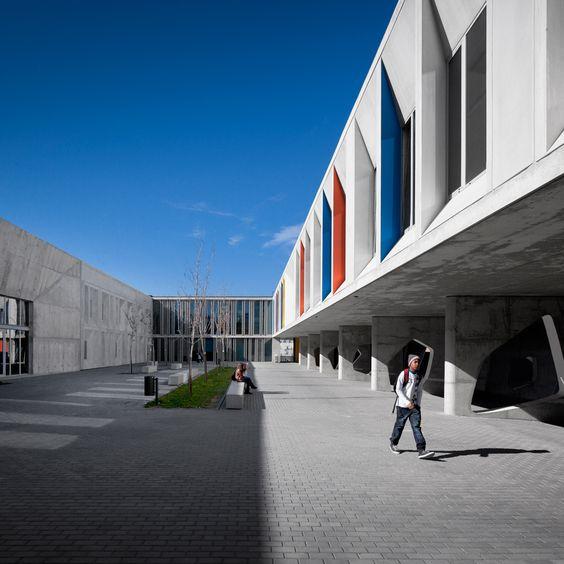 Sensibel umgebaut: Sekundarschule von CVDB Arquitectos - DETAIL.de - das Architektur- und Bau-Portal