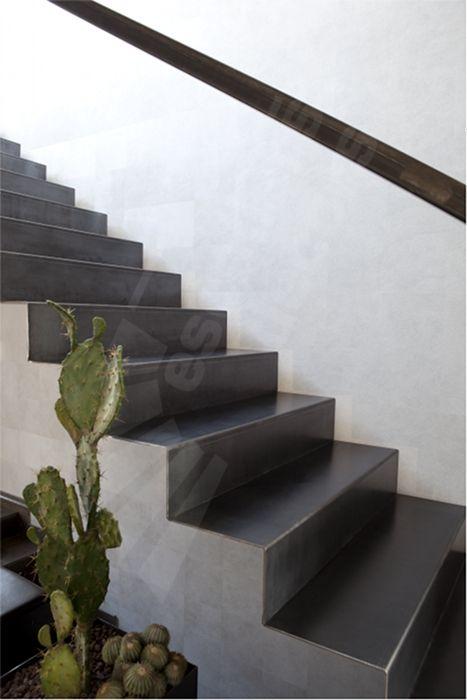 escalier m tallique design avec contremarche pleine escaliers d cors photo nicolas. Black Bedroom Furniture Sets. Home Design Ideas