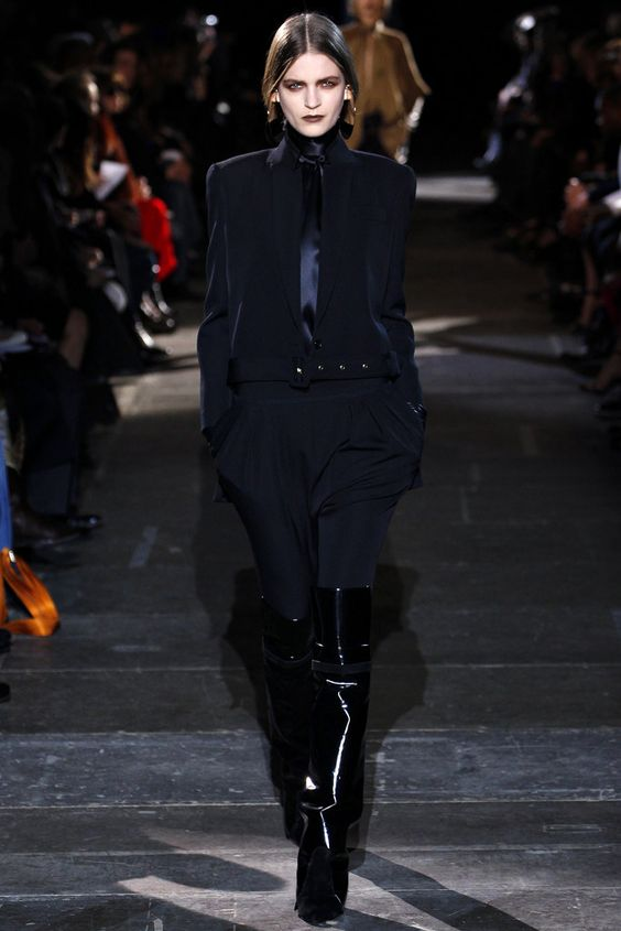 Givenchy Fall 2012 Ready-to-Wear Fashion Show - Magdalena Langrova