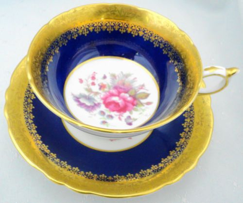 set-of-4-PARAGON-FLOWER-ROSE-CENTER-GOLD-ETCH-TEA-CUP-AND-SAUCER
