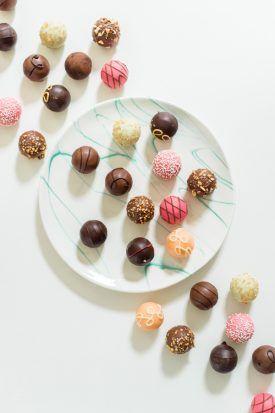 Colorsful GODIVA Truffles | Bridal Shower Treats & Desserts | Lisa Boggs Photography