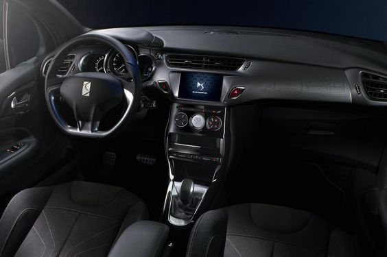 DS 3 hatchback and Cabrio - interior