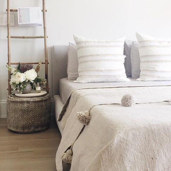 neutrals + textiles + bamboo ladder                                                                                                                                                     Mais
