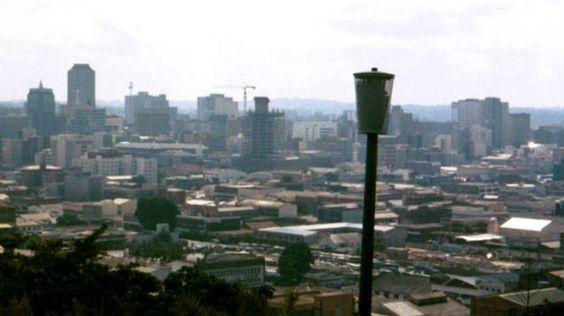 Harare, no ZimbábuePAÍSES MAIS POBRES DO MUNDO