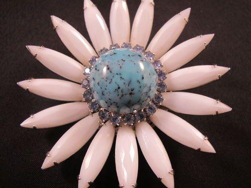 Vintage Weiss Rhinestone Milk Glass Flower Power Pin