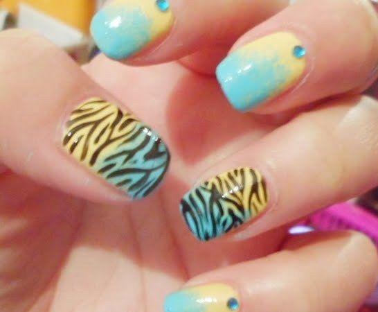 Gradient Zebra Nail