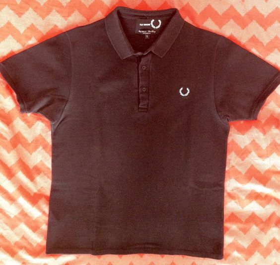 FRED PERRY x RAF SIMONS Mens t-shirt in Kleidung & Accessoires, Herrenmode, Freizeithemden & Shirts | eBay 10€