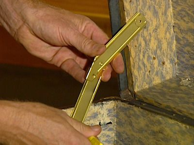 DIY how to repair an old trunk. replacing leather handles, repairing the lid and repairing the outside of the trunk