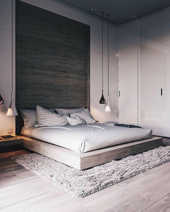 Zirbenbett, freischwebend mit großflächigem Kopfteil, dahinter - zirbenholz schlafzimmer modern