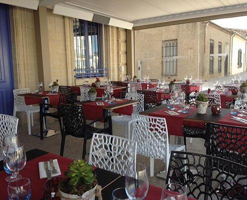 Restaurant Le Chateau Du Port Marseillan Herault En 2020 Marseillan Herault Portes
