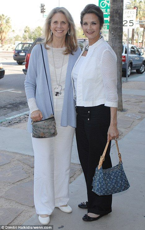Photo of Lynda Carter & her friend, actress  Lindsay Wagner