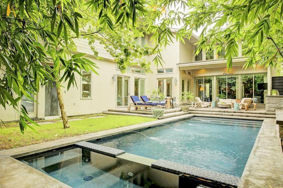 Houston, TX - Bungalow style pool perfect for relaxing or entertaining