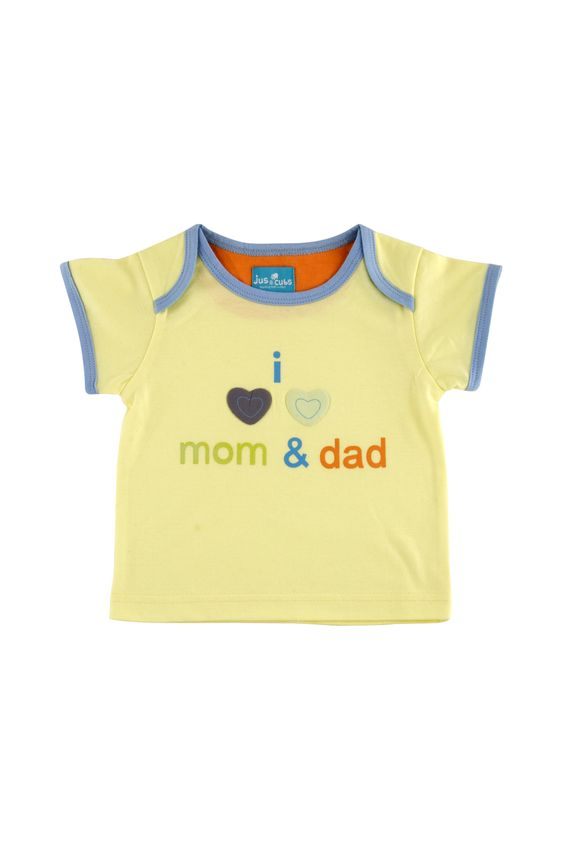 I Love Mom & Dad printed T-Shirt with envelope neck.
